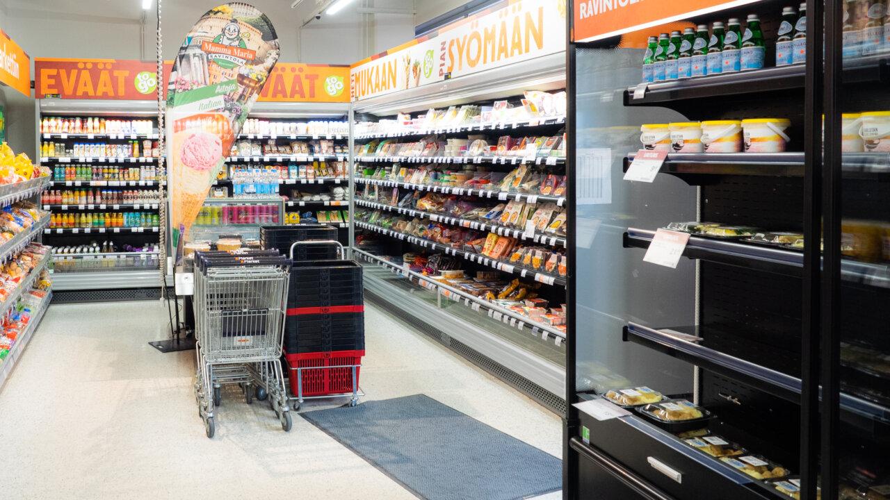 Kylmäkalustetoimitukset kahden K-Kaupan kauppiaalle